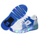 Zapatillas con ruedas led de colores. 28 euros.
